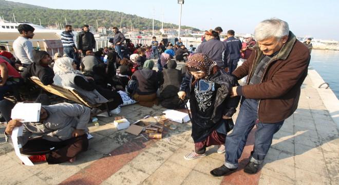 Çeşme'de 409 düzensiz göçmen yakalandı