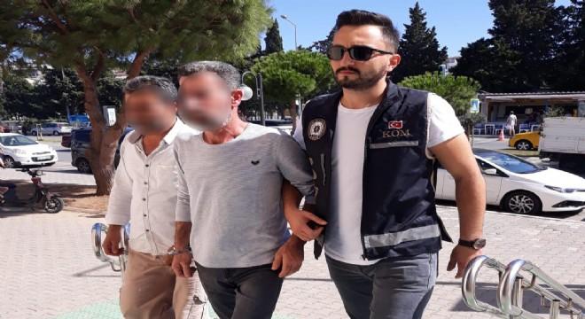 Çeşme'de yakalanan 2 insan kaçakçılığı zanlısı tutuklandı