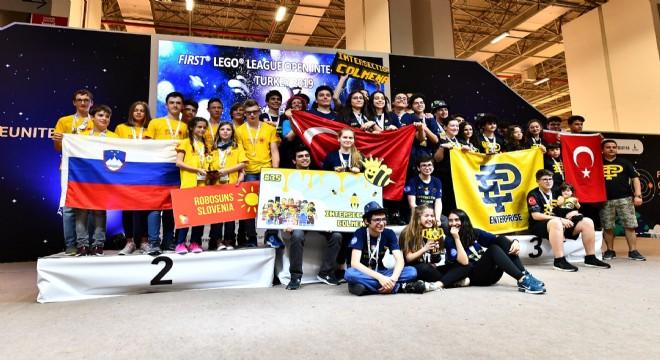 Soyer, 40 ülkeden genç mucitleri ağırladı